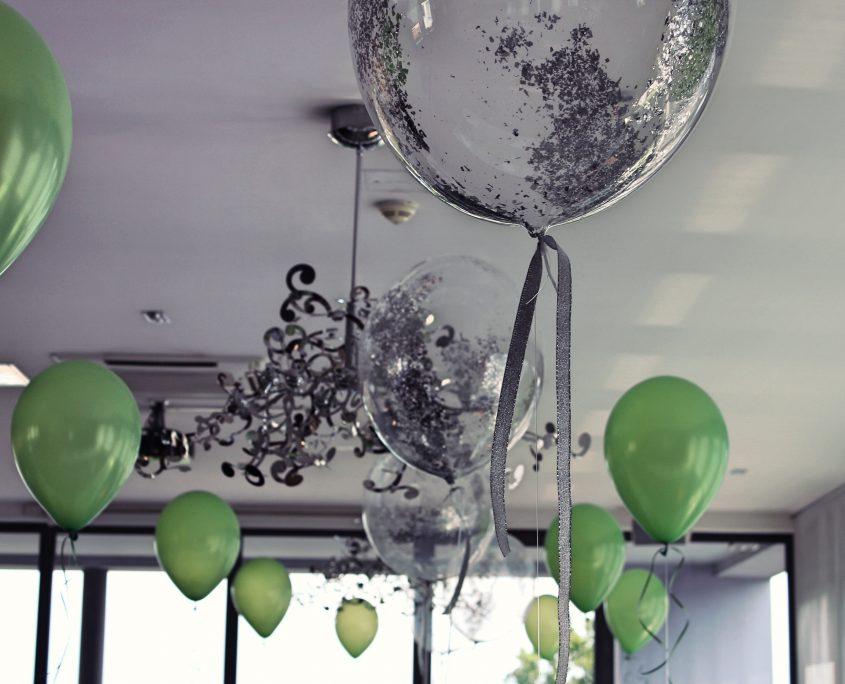 tischdeko geburtstag ballonbrilliant aus swisttal. Black Bedroom Furniture Sets. Home Design Ideas