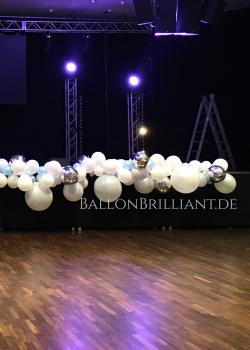 BallonBrilliant Ballongirlande Bühne